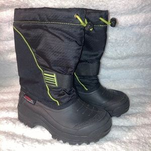 Kids size 13 winter boots